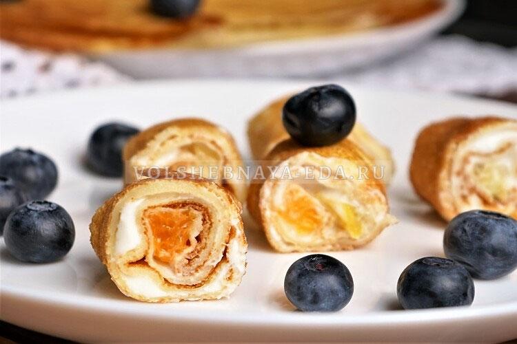 blinnye rolly s tvorogom i fruktami 22