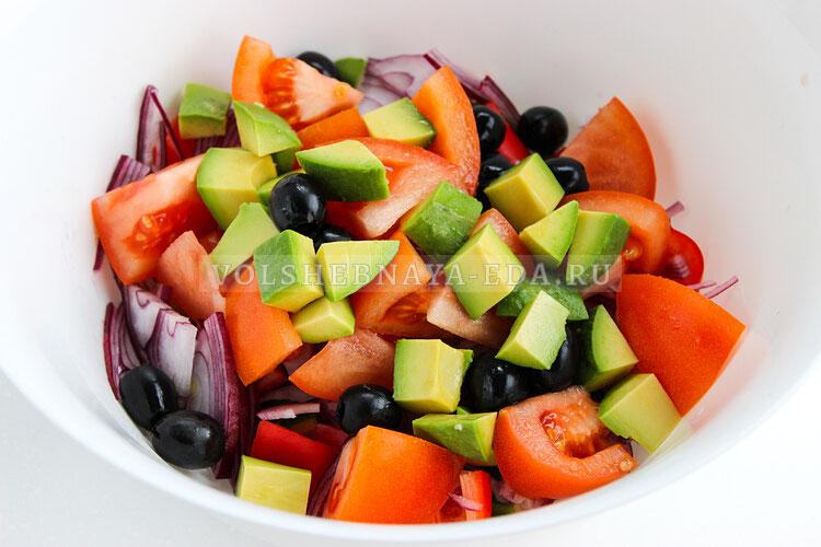 grecheskij salat s avokado 5