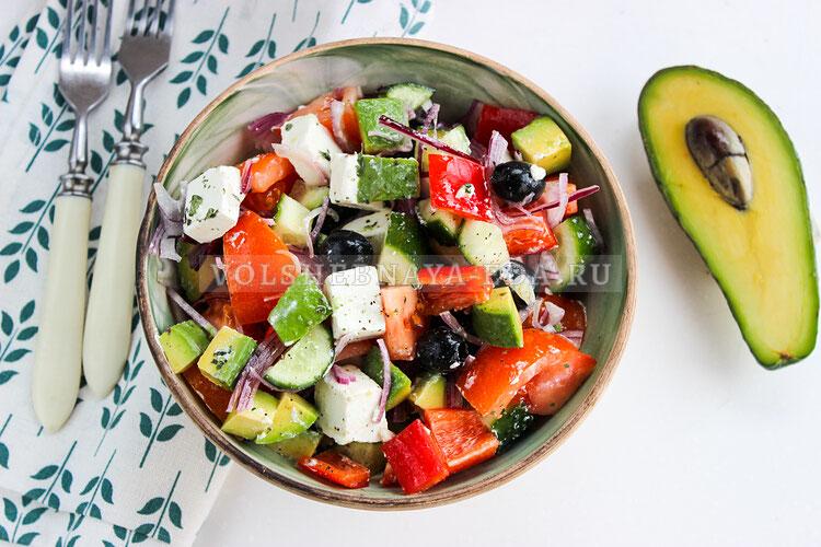 grecheskij salat s avokado 7