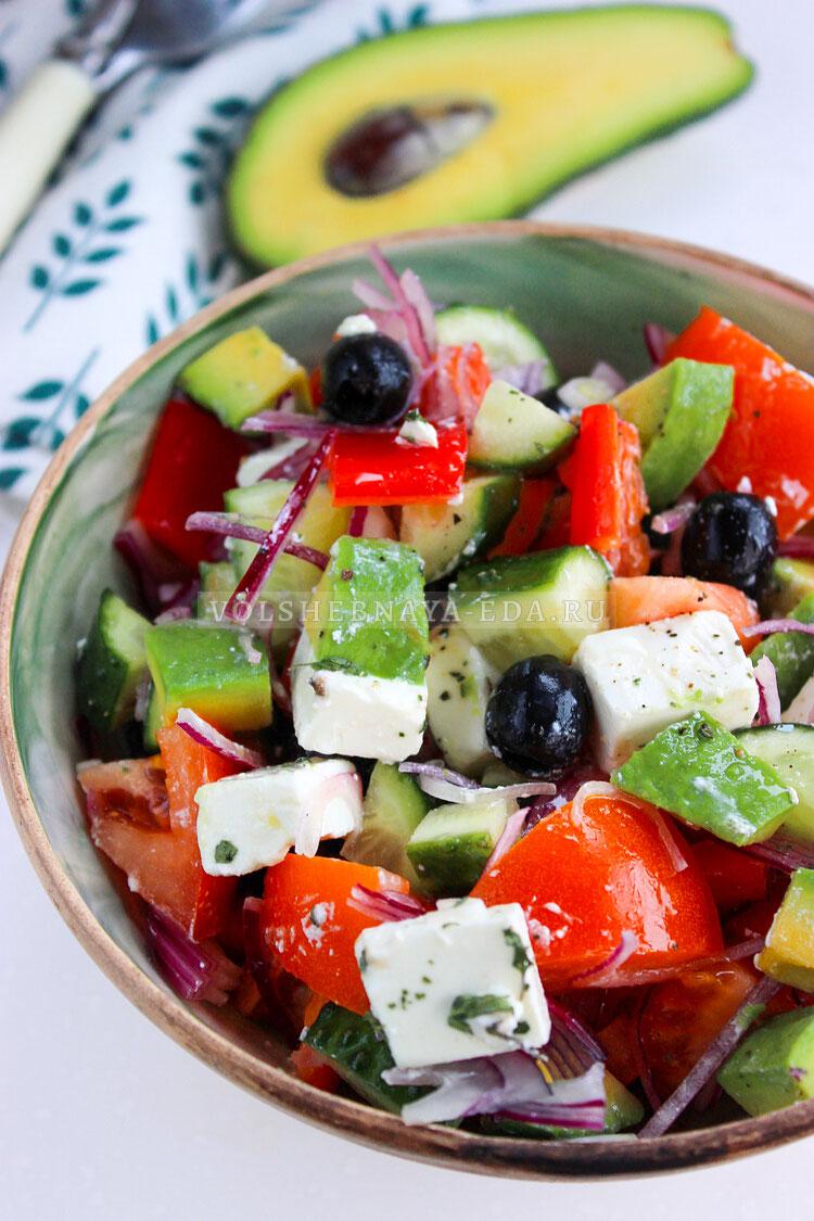 grecheskij salat s avokado 9