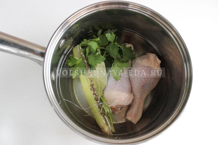 lukovy sup s kuricej 1