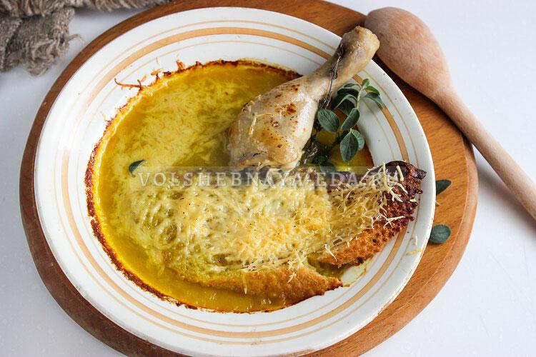 Луковый суп с курицей