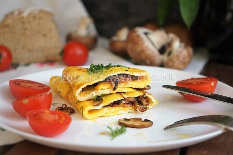 omlet s gribami bekonom i lukom 13