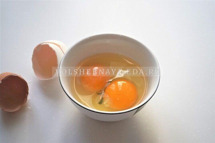 omlet s gribami bekonom i lukom 2