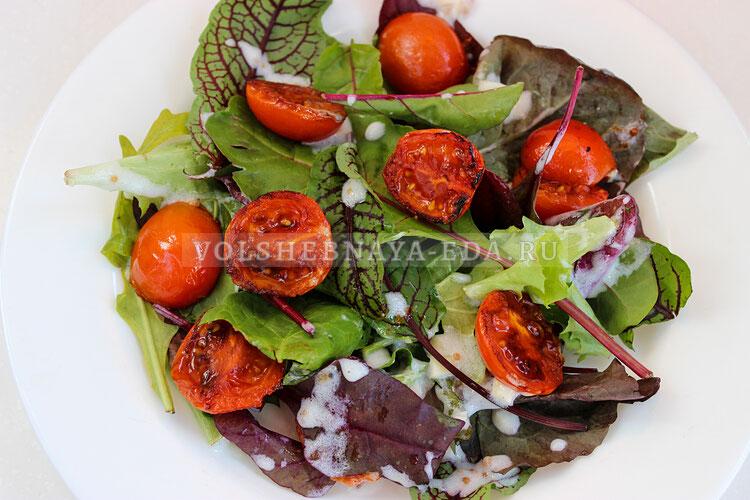salat s obgarennymi pomidorami 6