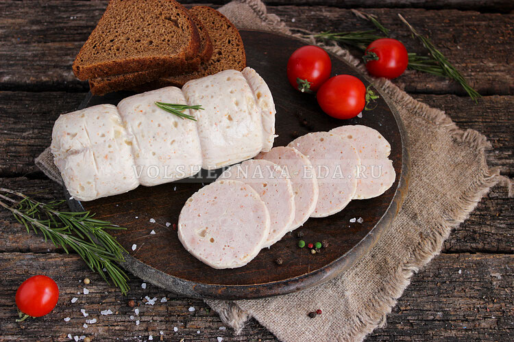 Вареная колбаса из свинины