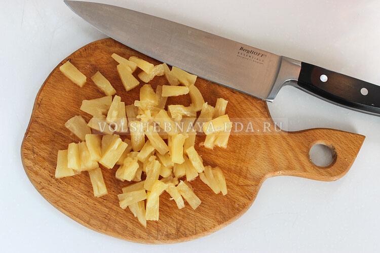 salat s kuricej ananasami i syrom 3