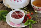 Жареное варенье из клубники на сковороде