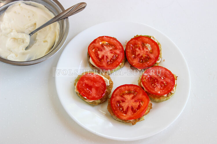 kabachki s pomidorami i syrom 5