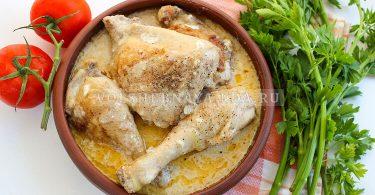 Курица в сметане на сковороде