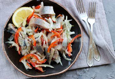 Закуска из селедки и болгарского перца