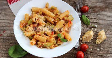 Паста с кабачками, помидорами и сыром