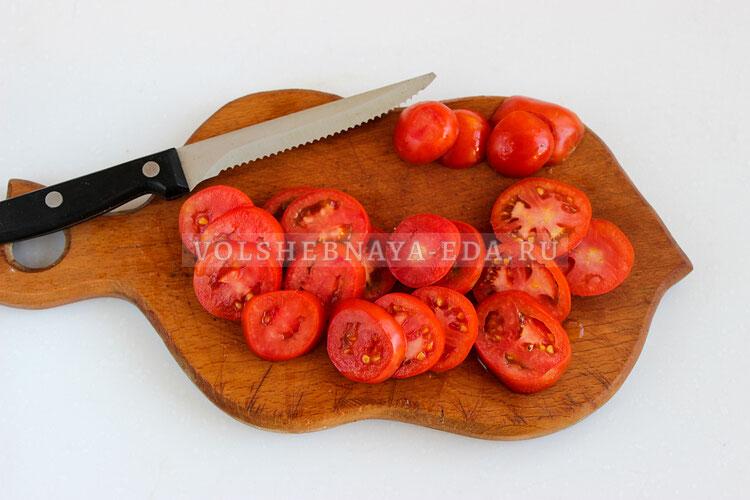 salat is pomidorov s brynzoj 1
