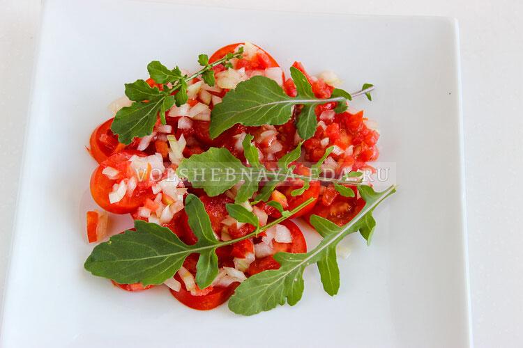 salat is pomidorov s brynzoj 5