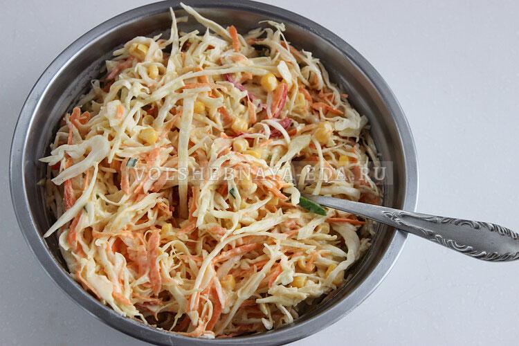 salat is kapusty s kukuruzoj 6
