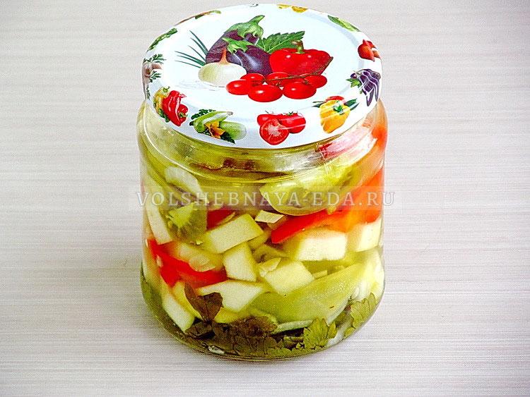 salat iz zelyonyh pomidorov s kabachkami 12