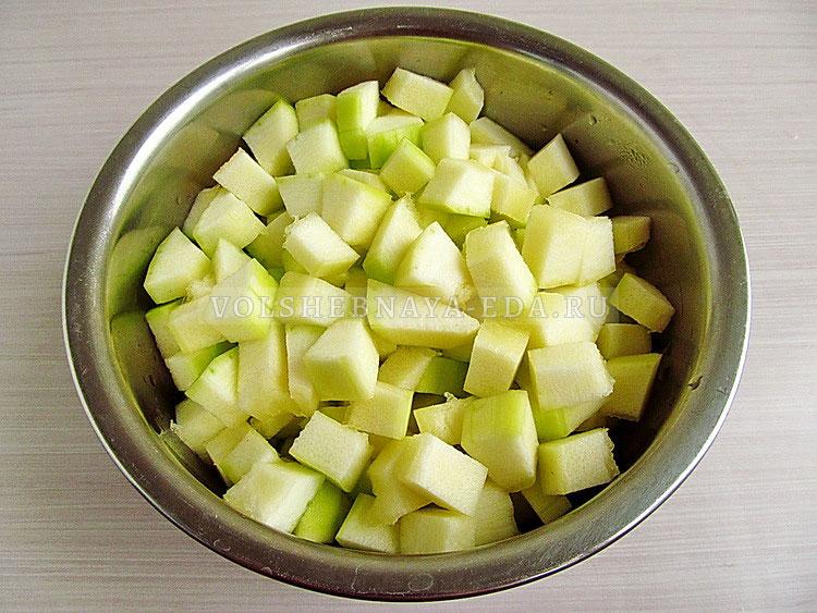 salat iz zelyonyh pomidorov s kabachkami 4