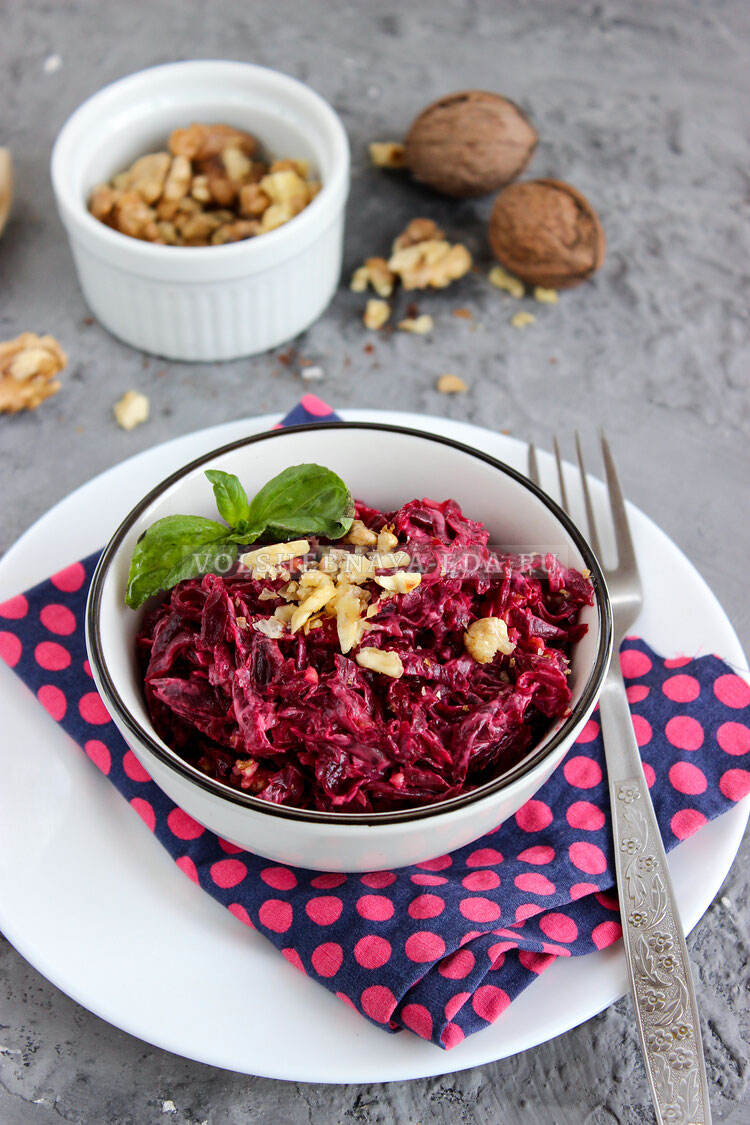 svekolny salat s orehami 9