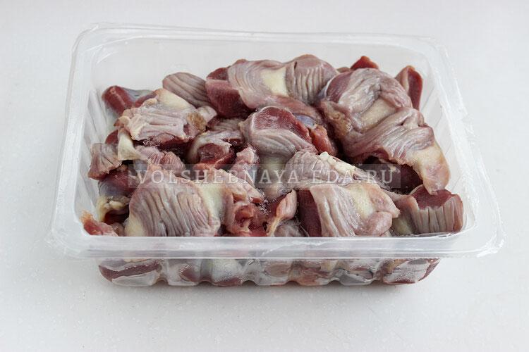salat is kurinyh geludochkov 1