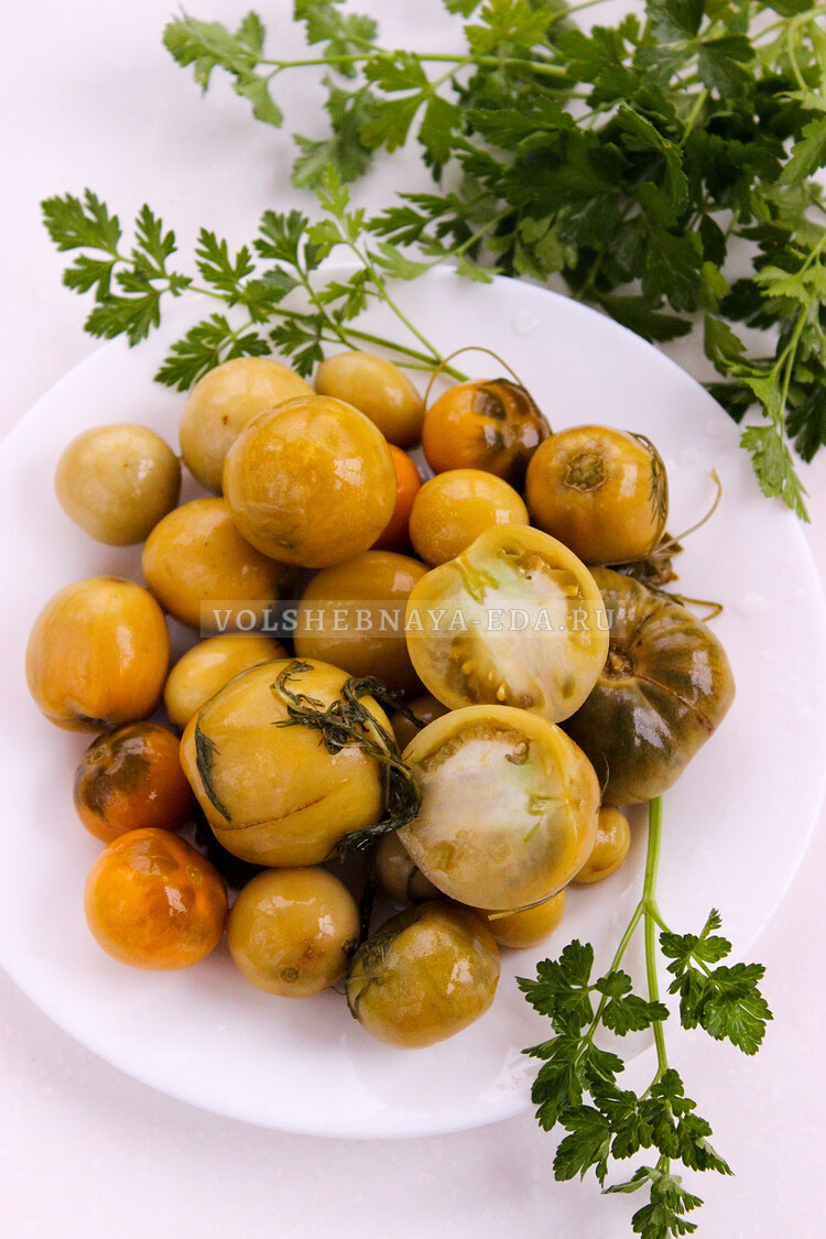 solenije zelenyh i buryh tomatov 8