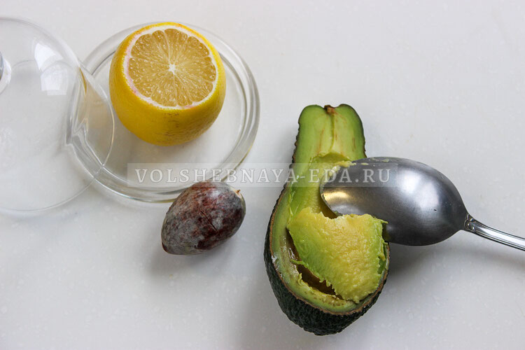 buterbrody s avokado i ikroj 1