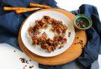 Жареные креветки с чесноком в соевом соусе