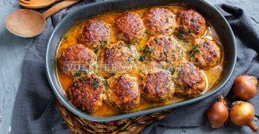 Тефтели в сливочно-томатном соусе в духовке