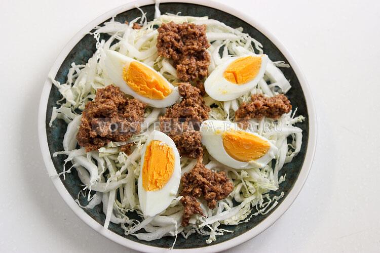 salat s pekinskoj kapustoj i tuncom 3