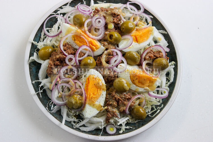 salat s pekinskoj kapustoj i tuncom 6