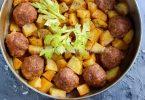 Котлеты в духовке с картошкой