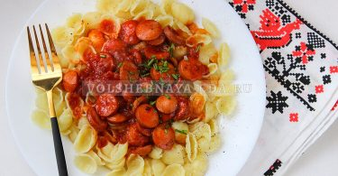 Подлива с сосисками и томатной пастой