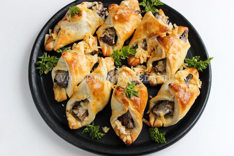 Прибалтийские пирожки со шпротами