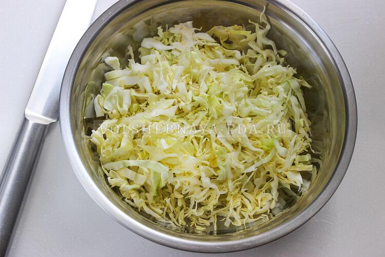 salat is molodoj kapusty s tuncom 1