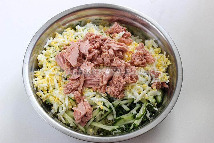 salat is molodoj kapusty s tuncom 5