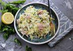 Салат из капусты с консервированным тунцом