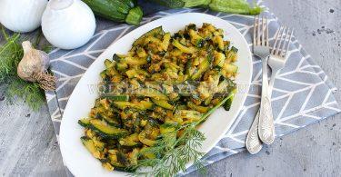 Кабачки, жаренные с соевым соусом и чесноком