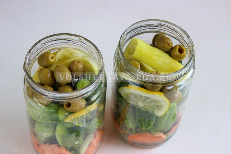 ogurci s olivkami na zimu 8